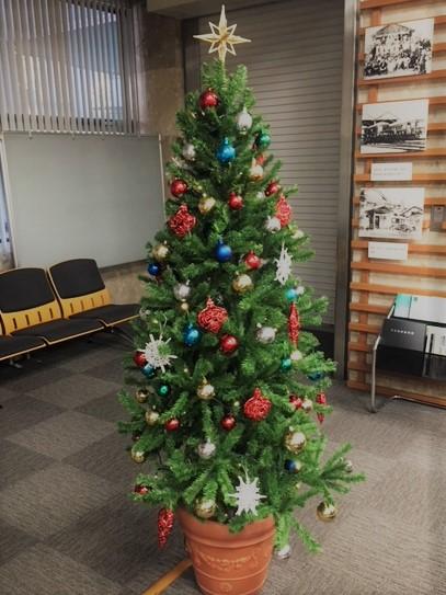 クリスマスツリーの設置