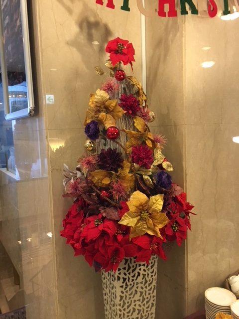 クリスマスの造花装飾